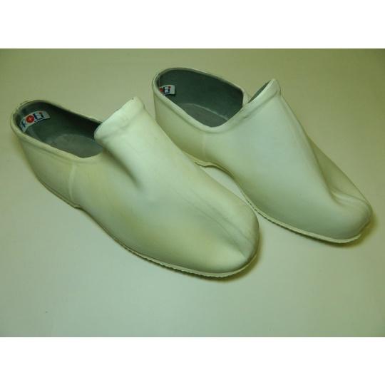 boty operační gumové bílé