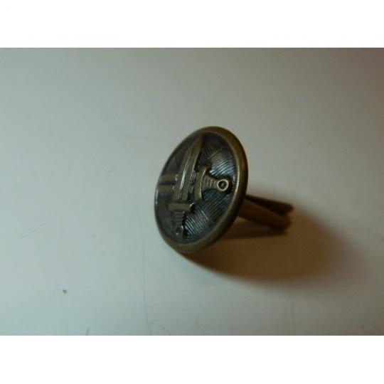 knoflík menší vševojskový 15 mm